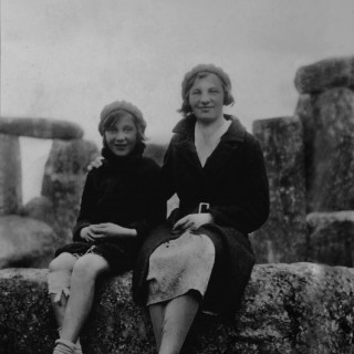 Girls-at-Stonehenge-531x800