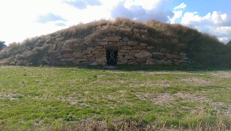 All Cannings Long Barrow Wiltshire Silent Earth