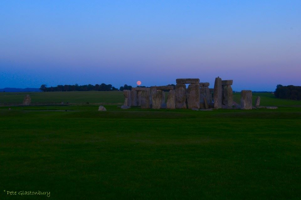 Stonehenge moonrise eclipse Pete Glastonbury
