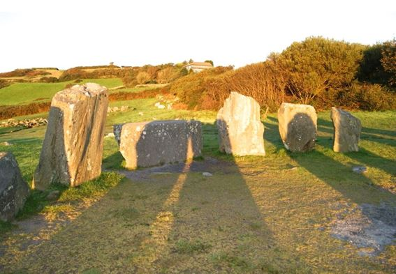 Dr Terence Meaden's Research into the Core Meaning of Axial and Recumbent Stone Circles by Shadow Casting at Sunrise.